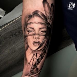tatuaje_brazo_india_tanitta_jimenez_logiabarcelona