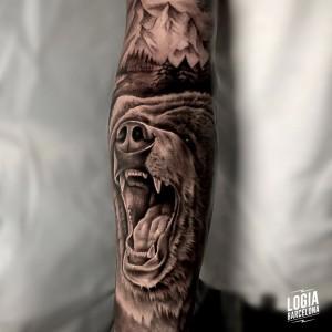tatuaje_brazo_oso_tanitta_jimenez_logiabarcelona