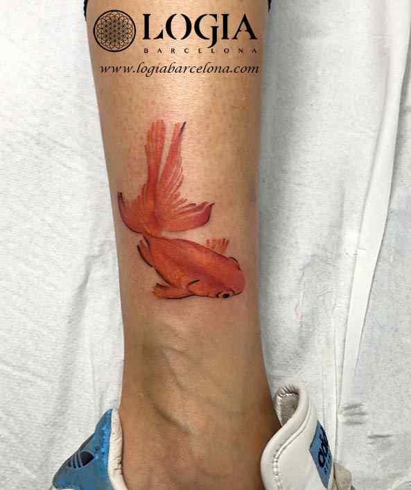 tatuaje pez naranja Logia Barcelona