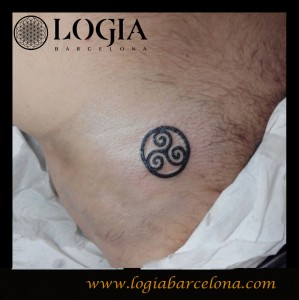 Walk In tattoo triskelion - Logia Barcelona