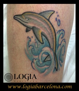 wallk-in tattoo delfin