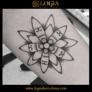 wallk-in tattoo flor