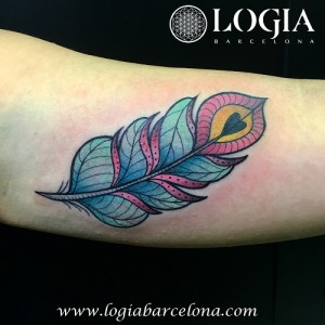 wallk-in tattoo pluma