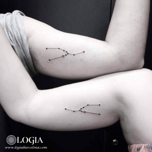 Walk In matching tattoo constelacion - Logia Barcelona