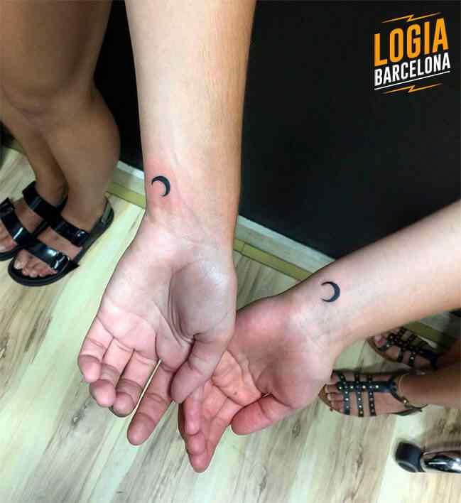 tatuajes madre e hija luna logia barcelona
