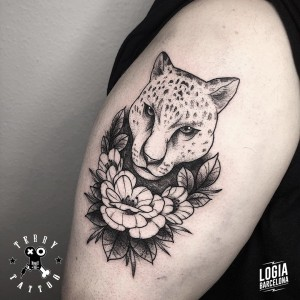 tatuaje_brazo_leopardo_terry_logiabarcelona