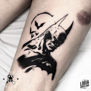 tatuaje_pierna_batman_terry_logiabarcelona