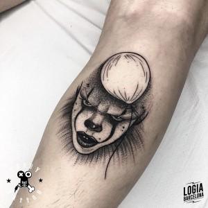 tatuaje_pierna_it_terry_logiabarcelona