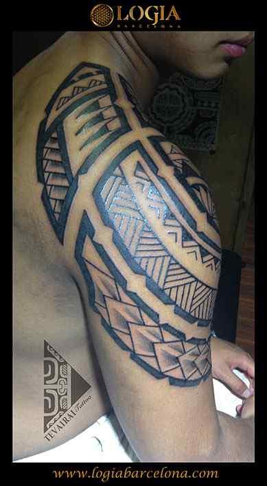 maori-tatuajes-logia-tattoo-tevairai-hombro-25