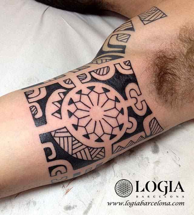 tatuaje-brazo-maori-Logia-Barcelona-Tevairai-05