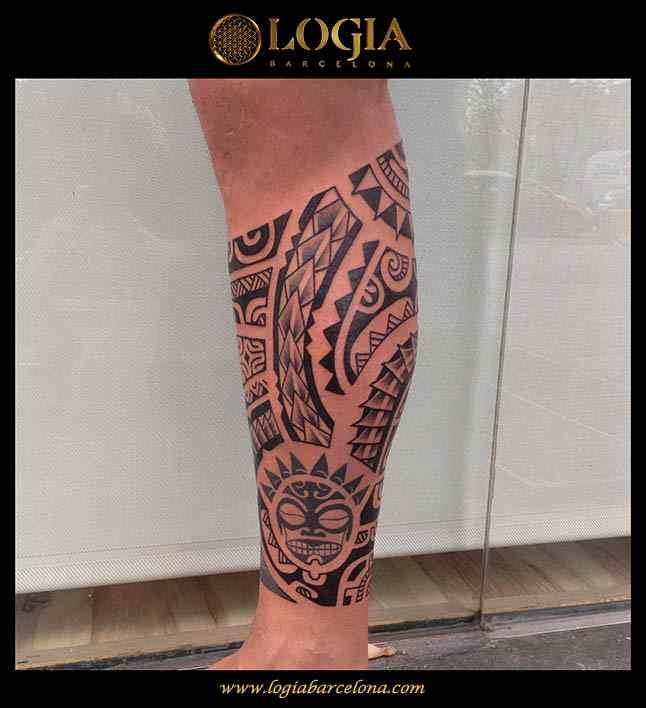 tatuaje-pierna-maori-Logia-Barcelona-Tevaira-02