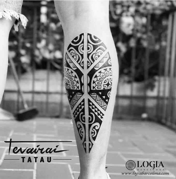 tatuaje-pierna-maori-logia-barcelona-tevairai