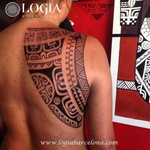 maori-tatuajes-logia-tattoo-tevairai-espalda-09