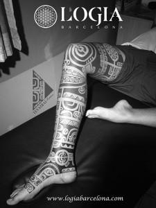 maori-tatuajes-logia-tattoo-tevairai-pierna-11