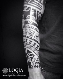 tatuaje-brazo-maori-Logia-Barcelona-Tevairai-04