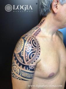 tatuaje-espalda-maori-Logia-Barcelona-Tevairai