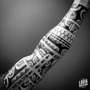 tatuaje_maori_brazo_manga_logiabarcelona_teivairai