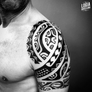 tatuaje_maori_hombro_logiabarcelona_teivairai
