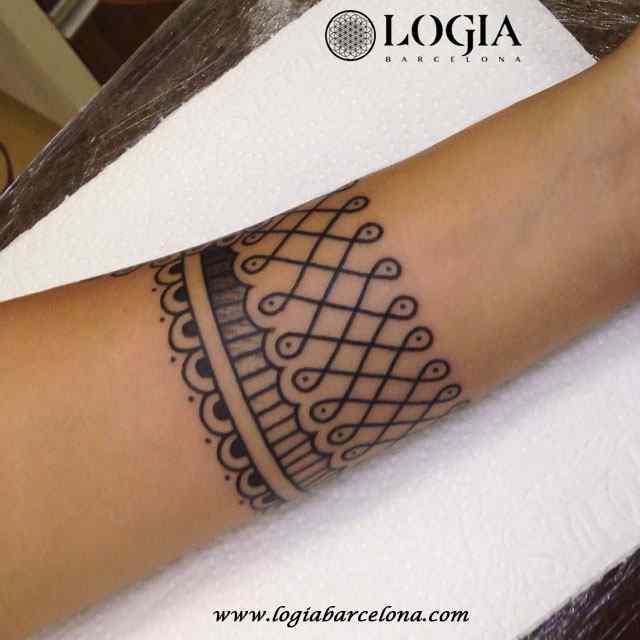 tatuaje pulsera mehndi logia barcelona