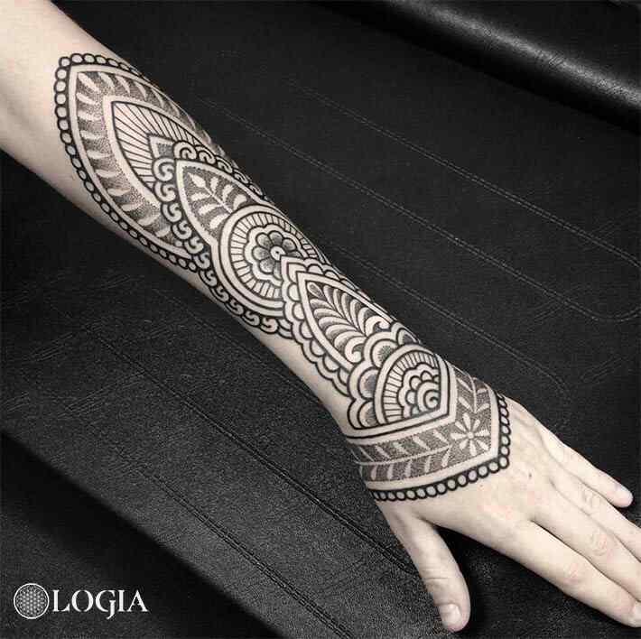tatuajes mandala mehndi mano logia barcelona willian spinola