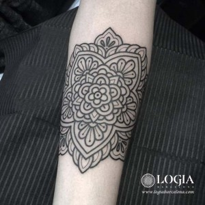 tatuajes-mandala-antebrazo-willian-spinola3