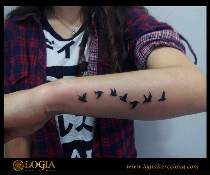 Tatuajes En La Muneca Tatuajes Pequenos Logia Tattoo Barcelona