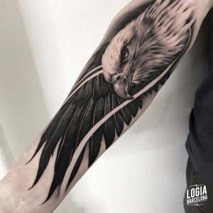 tatuaje_brazo_aguila_imperial_logiabarcelona_javier_jas