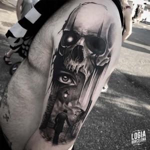 tatuaje_brazo_calavera_ojo_londres_logiabarcelona_javier_jas