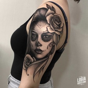tatuaje_brazo_katrina_chicana_costado_logiabarcelona_javier_jas