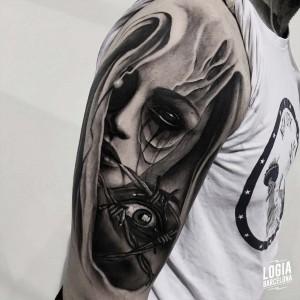 tatuaje_brazo_ojo_logiabarcelona_javier_jas