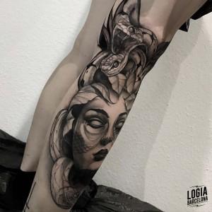 tatuaje_pierna_medusa_logiabarcelona_javier_jas