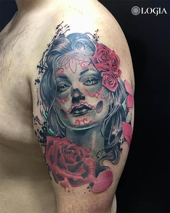 tatuaje-hombro-katrina-logia-barcelona-zoen