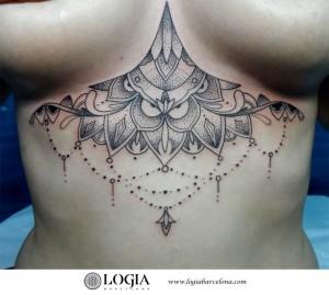 tatuaje-mandala-abdomen-logia-barcelona-Zoen
