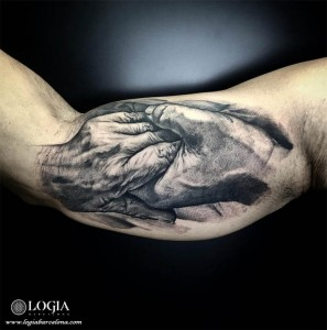 tatuaje-manos-brazo-logia-barcelona-zoen
