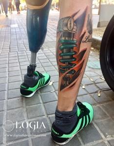 tatuaje-pierna-amortiguador-logia-barcelona-Zoen
